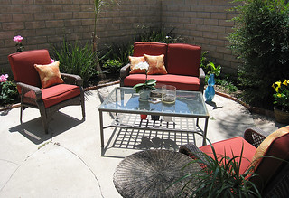backyard living space+patio furniture+coffee table | by ...love Maegan