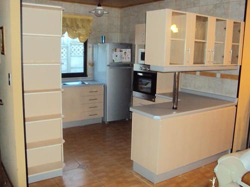 Muebles color maple muy linda esta cocina muebles de - Muebles de cocina de colores ...