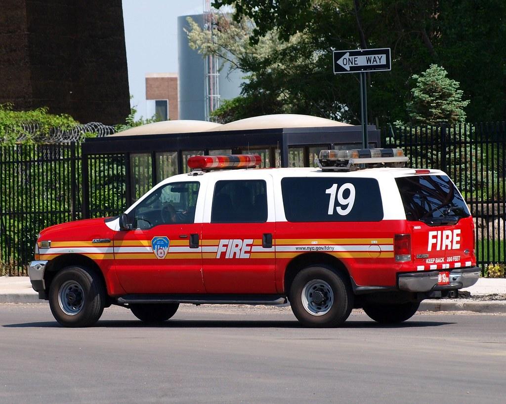fdny battalion 19 fire chief car bronx new york city flickr. Black Bedroom Furniture Sets. Home Design Ideas