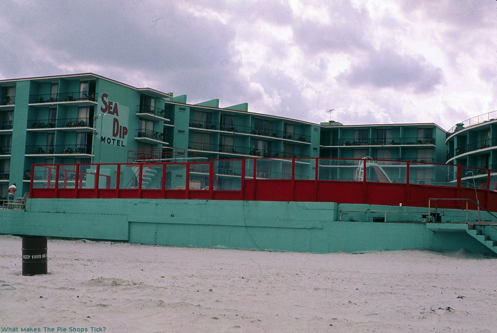 Sea Dip Motel and Apartments - Daytona Beach, Florida