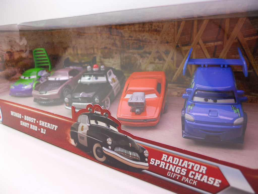 Toys R Us Toy Cars : Disney cars toys r us radiator springs chase set flickr