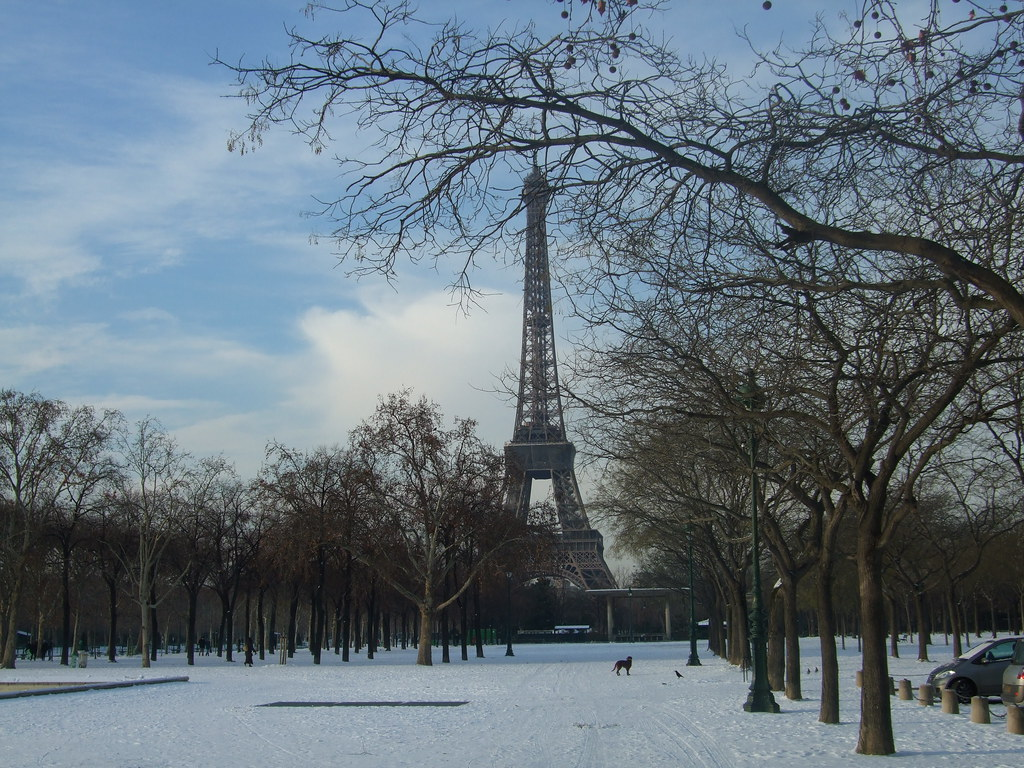 snow in paris when i was on the way to biarritz it starte flickr. Black Bedroom Furniture Sets. Home Design Ideas