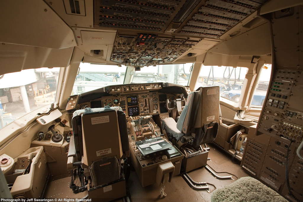 American Airlines 767 200er Cockpit View Large On Black