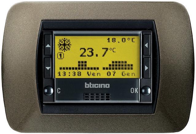 Control de temperatura bticino l4451 el cronotermostato for Cronotermostato bticino l4451