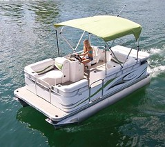 7516 c small electric pontoon boat 16 39 small pontoon for Electric motor for pontoon boat