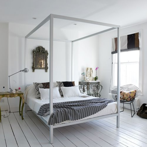 Plywood painted floors white bedroom four 4 poster bed for Bedroom designs with four poster beds