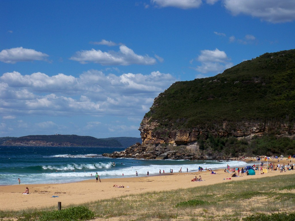 Barrenjoey Head From Putty Beach Killcare Look Carefully