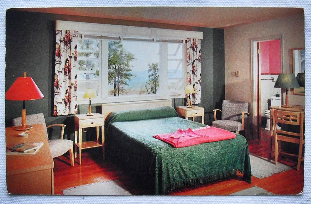 1950s Vintage Postcard Pocono Mountain Inn Motel Cottage R