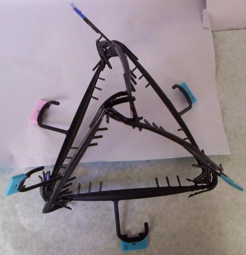Tetraedro con ganchos para colgar ropa tetraedro con for Ganchos metalicos para colgar ropa