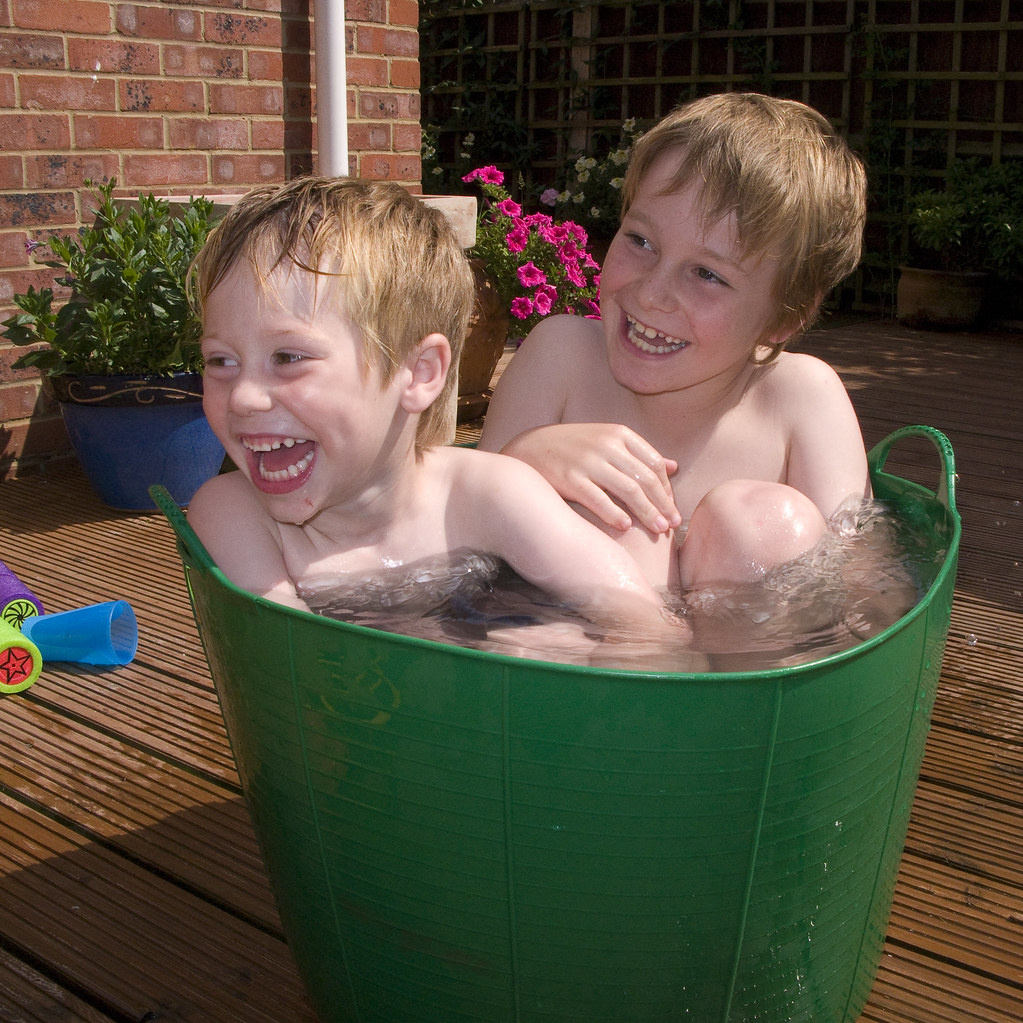 World 39 S Smallest Swimming Pool Our Credit Crunch Swimming Flickr