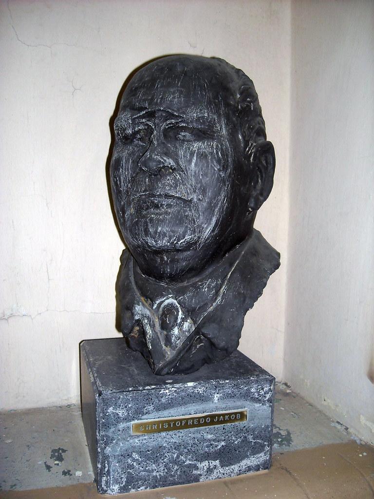 Busto de Christfried Jakob   En el pabellón de Anatomía Pato…   Flickr