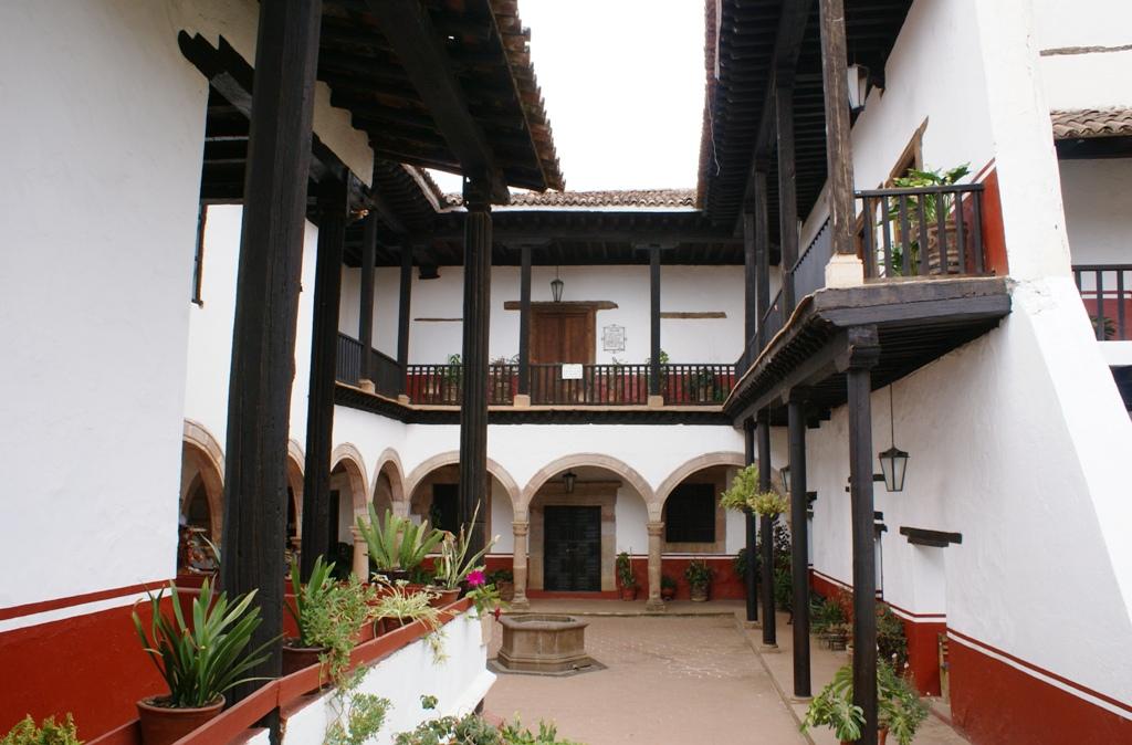 2 8 actual casa de los once patios p tzcuaro michoac n flickr - Casa en sabadell centro ...