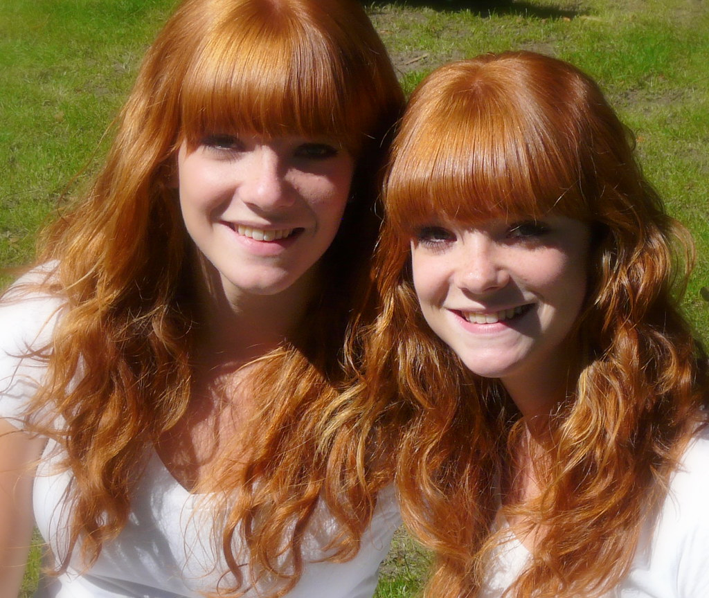 Twins  Lovely Redhead Twins In The Valkenberg Park -1166