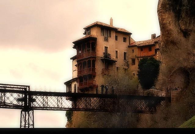 Cuenca espa a casas colgantes y puente de san pablo flickr - Casas sostenibles espana ...