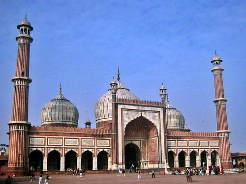 the largest mosque in India | by werner boehm *