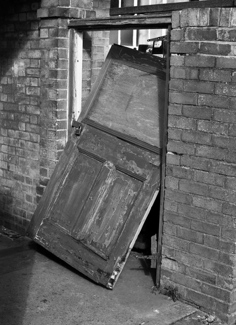 Photo 64/365 - 6 March: Smashed door, Oxford | The Spider ...