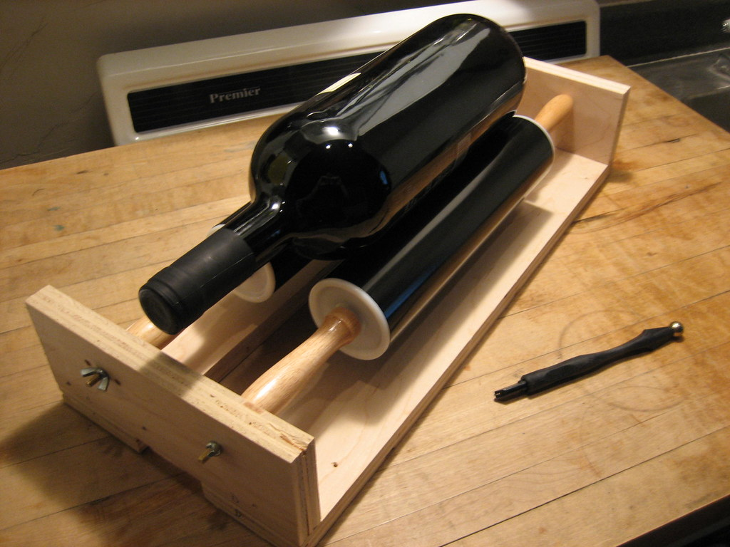 Wine bottle cutting jig a jig to cut the ends off of for How to cut the end of a wine bottle