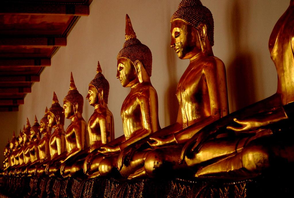 Коллекция статуэток Будды салона Антикварикс