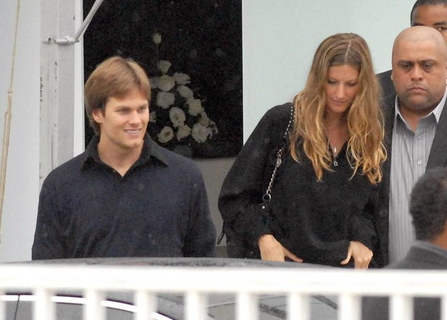 Tom Brady and Gisele Bundchen Image source:https://www.flickr.com/photos/35943930@N07/4476390301/