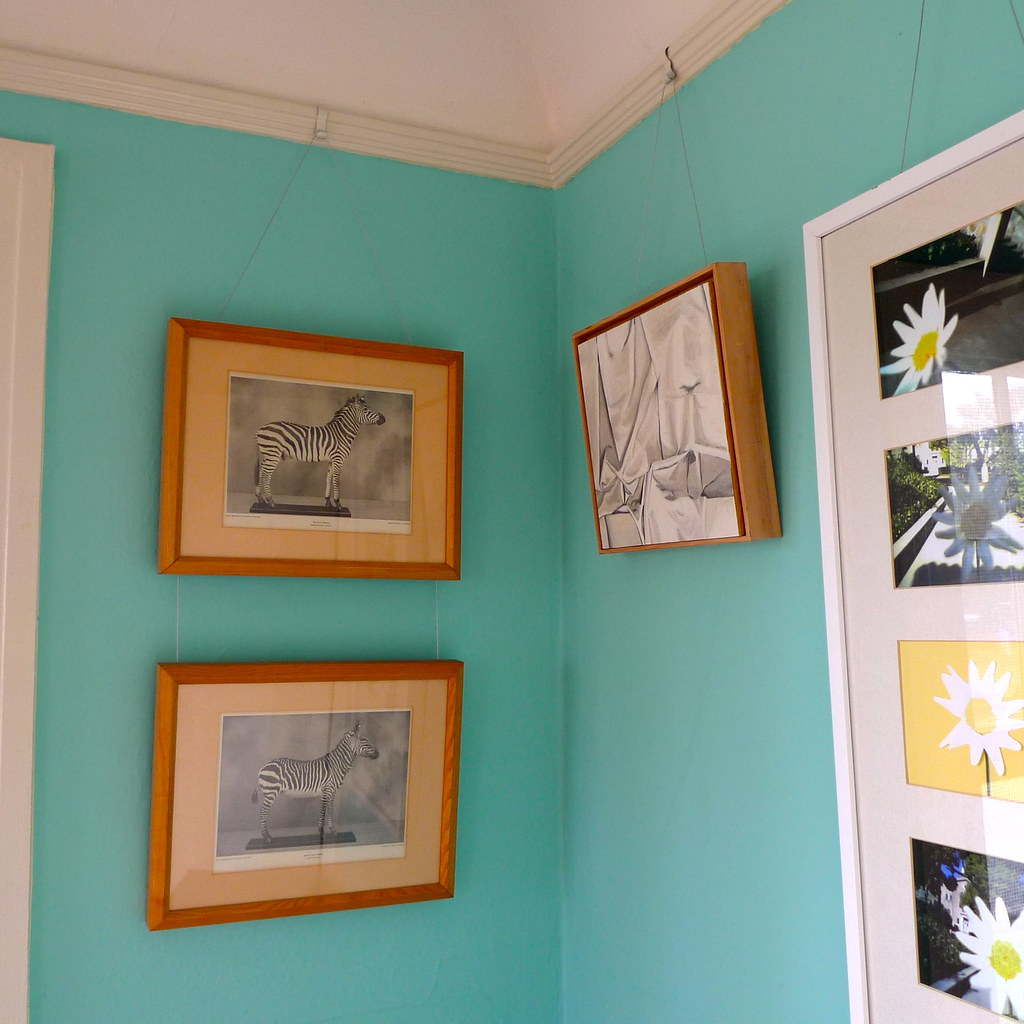 Hanging Art It 39 S Easy With A Picture Rail No Holes In