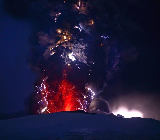 volcano lightning pyrotechnics ash - photo #30