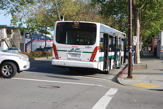 AC Transit 1022 4-17-10 | by THE Holy Hand Grenade!