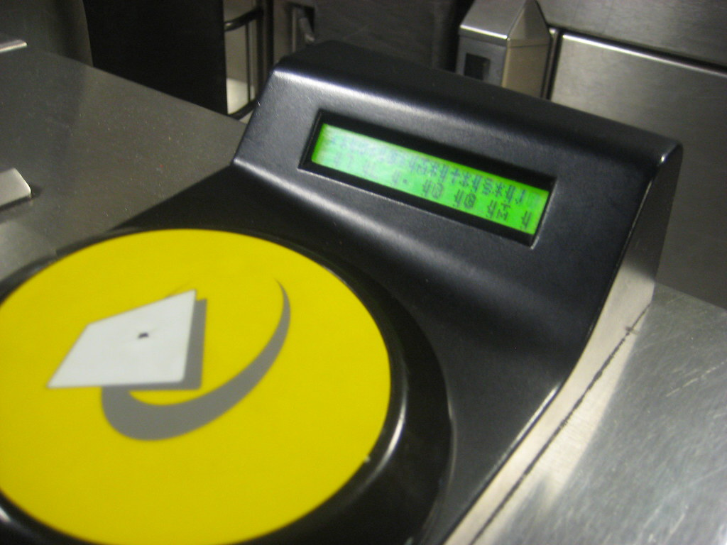 Aliens take over Oyster Card Reader | From my London Undergr… | Flickr
