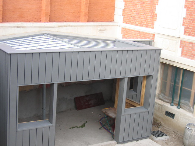 extension ossature bois bardage zinc renovation bardage zinc isolation naturelle protection. Black Bedroom Furniture Sets. Home Design Ideas