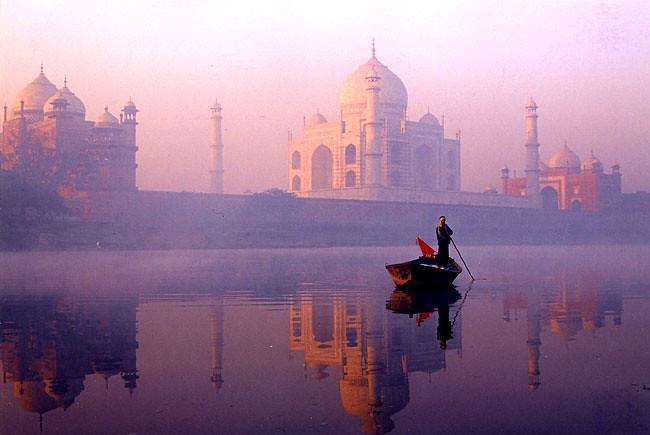 The Reflection Of Taj Mahal In Morning Ravi Kant Flickr