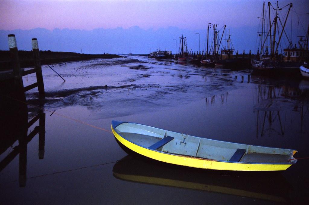 Yellow accent    in the Golden Harbour of Noordpolderzijl | Flickr