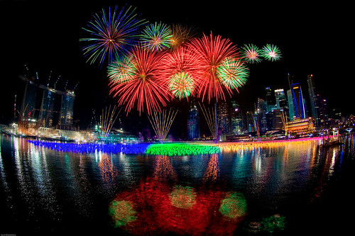 Singapore New Year 2010 Fireworks | by Souvik_Prometure