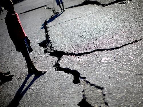 Resultado de imagem para rachaduras terremotos