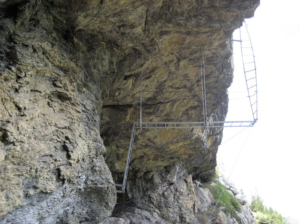 Klettersteig Allmenalp : Verdrehte leiter des klettersteig kandersteg allmenalp ku flickr