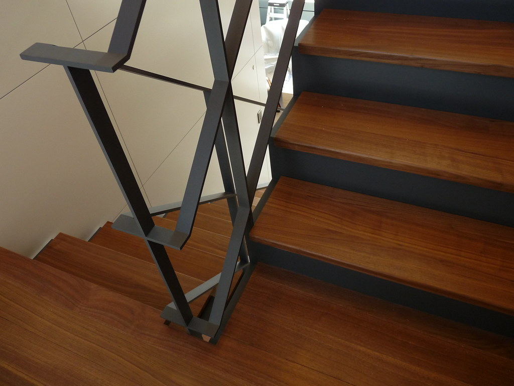Switchback Handrail Stinger Is A Continuous 7 8 Quot Thick