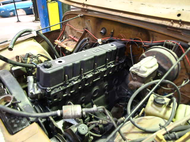 4 2 l jeep engine installed pic of the engine after it. Black Bedroom Furniture Sets. Home Design Ideas