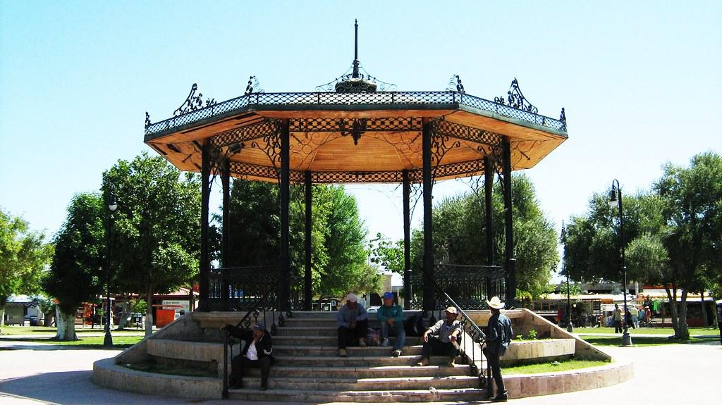 Valle De Bravo >> Kiosko de la Plaza 6 de Abril | Su nombre es debido a una fe… | Flickr