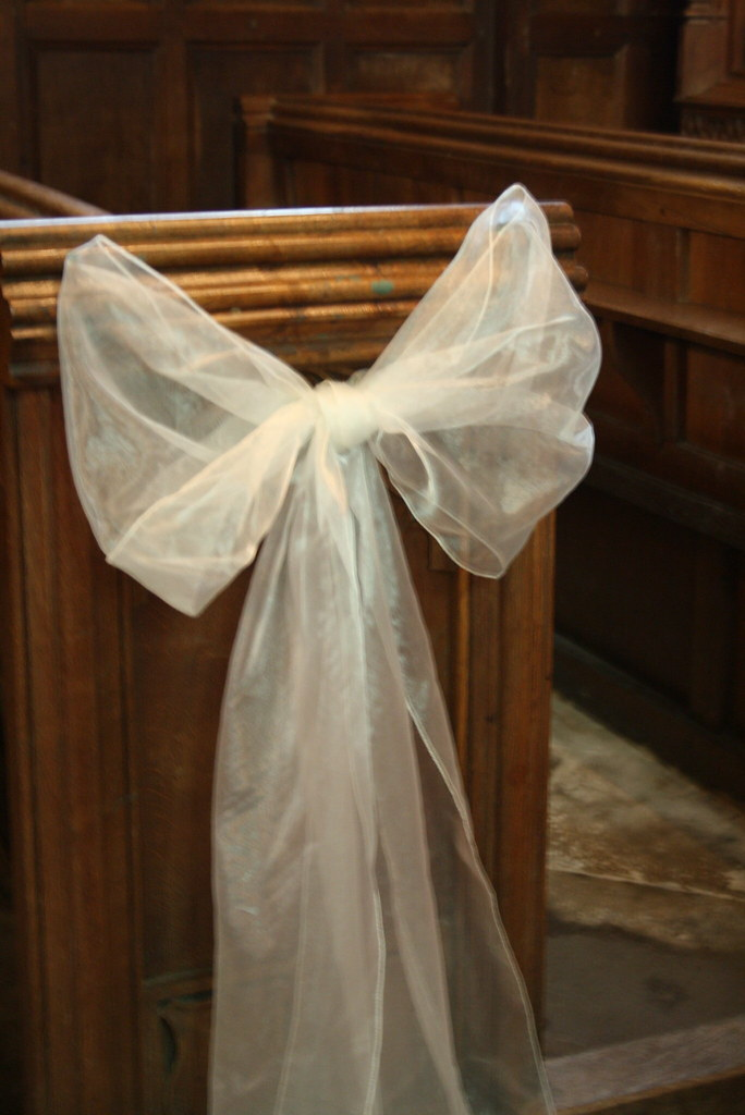 church pews decorated for wedding voile bow pew ends for more floral inspiration visit www 2944