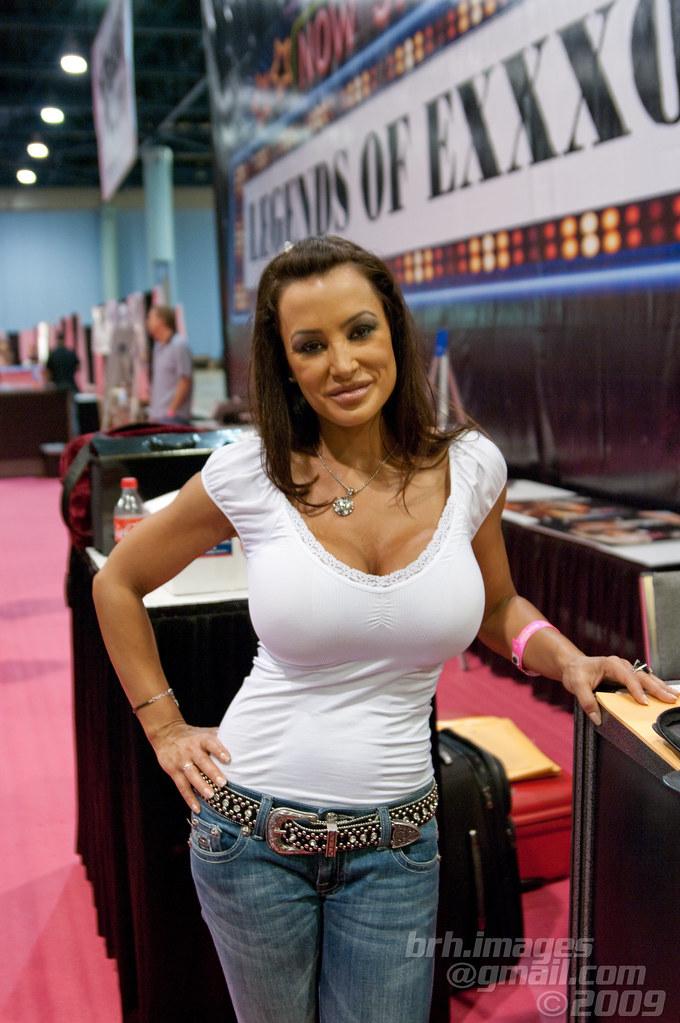 Nfl On Sirius >> Lisa Ann @ eXXXotica Miami 2010 | eXXXotica 2010 Miami ...