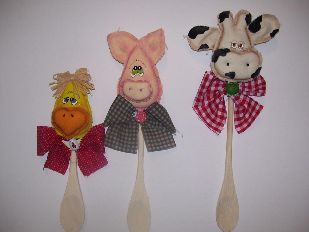 Cucharas de madera decoradas | Cucharas de madera, vaca, cha… | Flickr