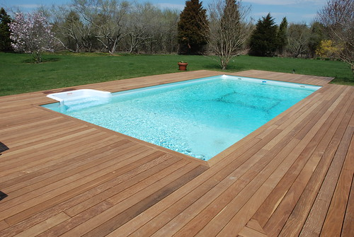 Ipe pool deck beautiful ipe wood decking around in for Wood pool deck design