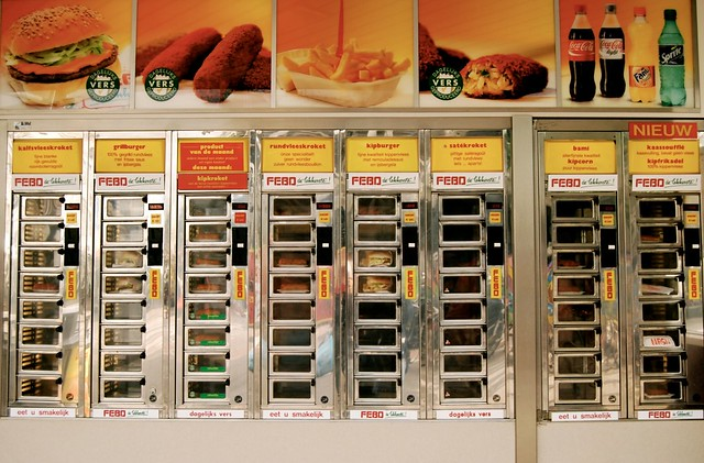 Eten uit de muur in Rotterdam    melaphantastisch   Flickr