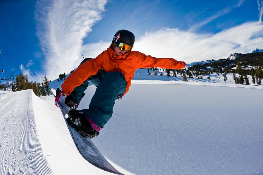 f40ba56dcb49 Winter Wanderlust  How to Teach Your Kids How to Ski - WanderLuxe