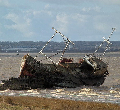 Abandoned Trawler near New Holland | by D H Wright