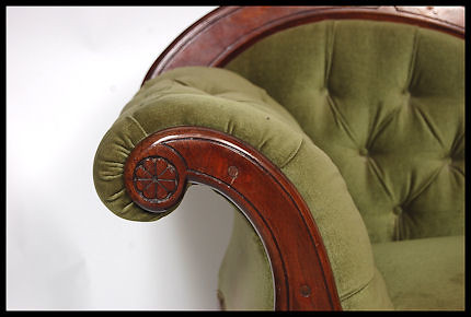 Victorian mahogany velour chaise longue a good solid for Chaise velours