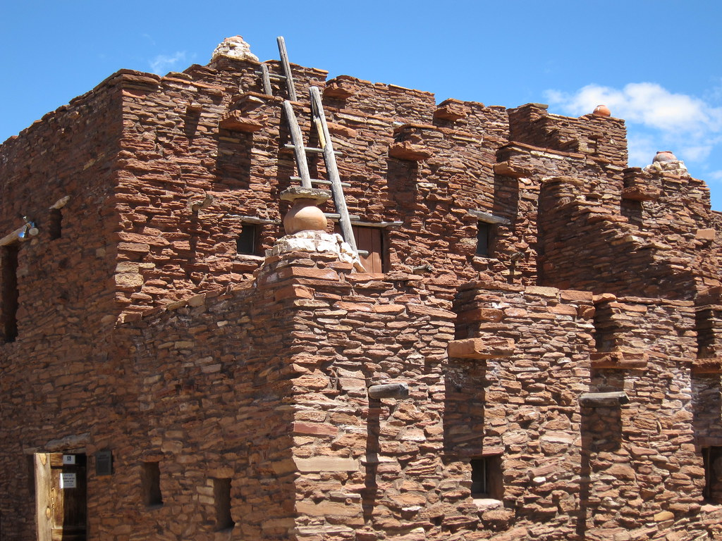 Mary jane colter 39 s hopi house the grand canyon az flickr for Canyon house