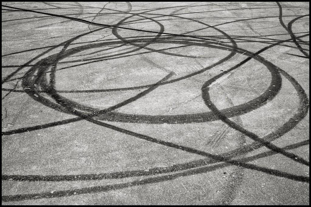 tire skid marks mann ist 0 flickr