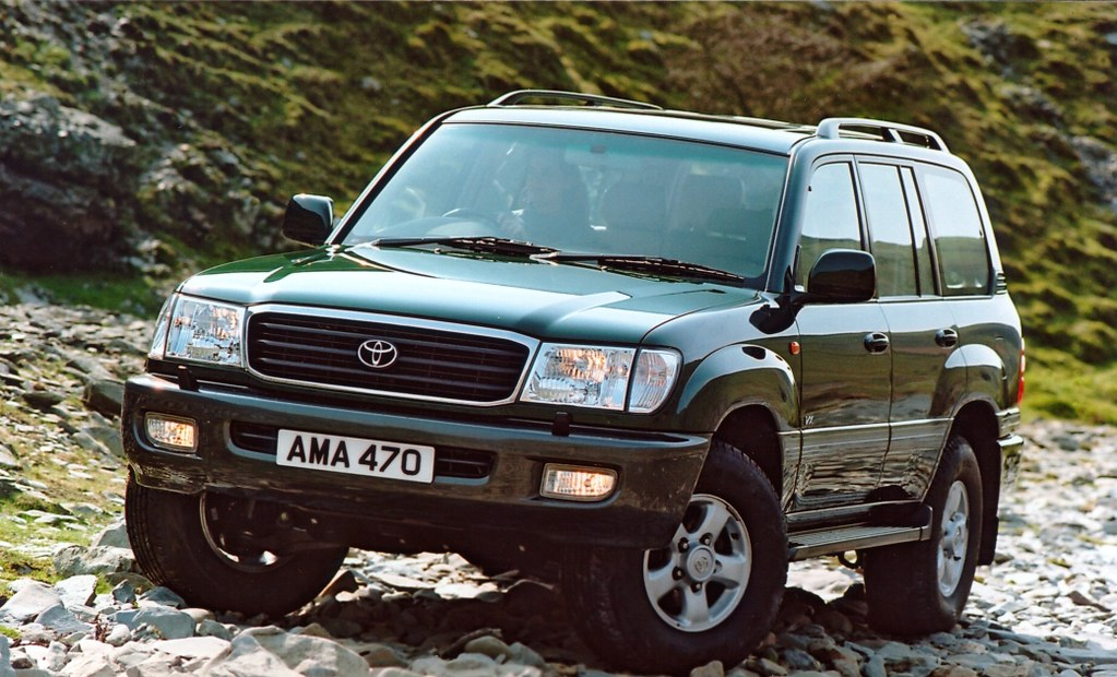 land cruiser 100 the toyota land cruiser is renowned the. Black Bedroom Furniture Sets. Home Design Ideas