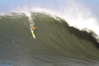 Mavericks Surf 2010 - Zach Wormhoudt | by rickbucich