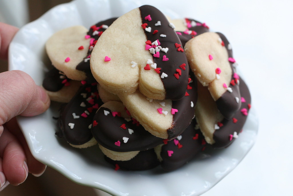 Chocolate dipped shortbread hearts | used the Pioneer Woman ...