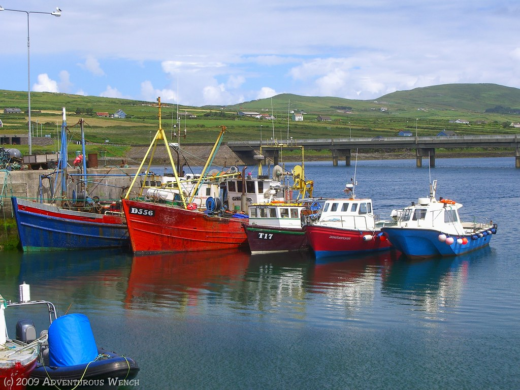 Fishing boats at portmagee fishing boats in the irish for Free fishing boats